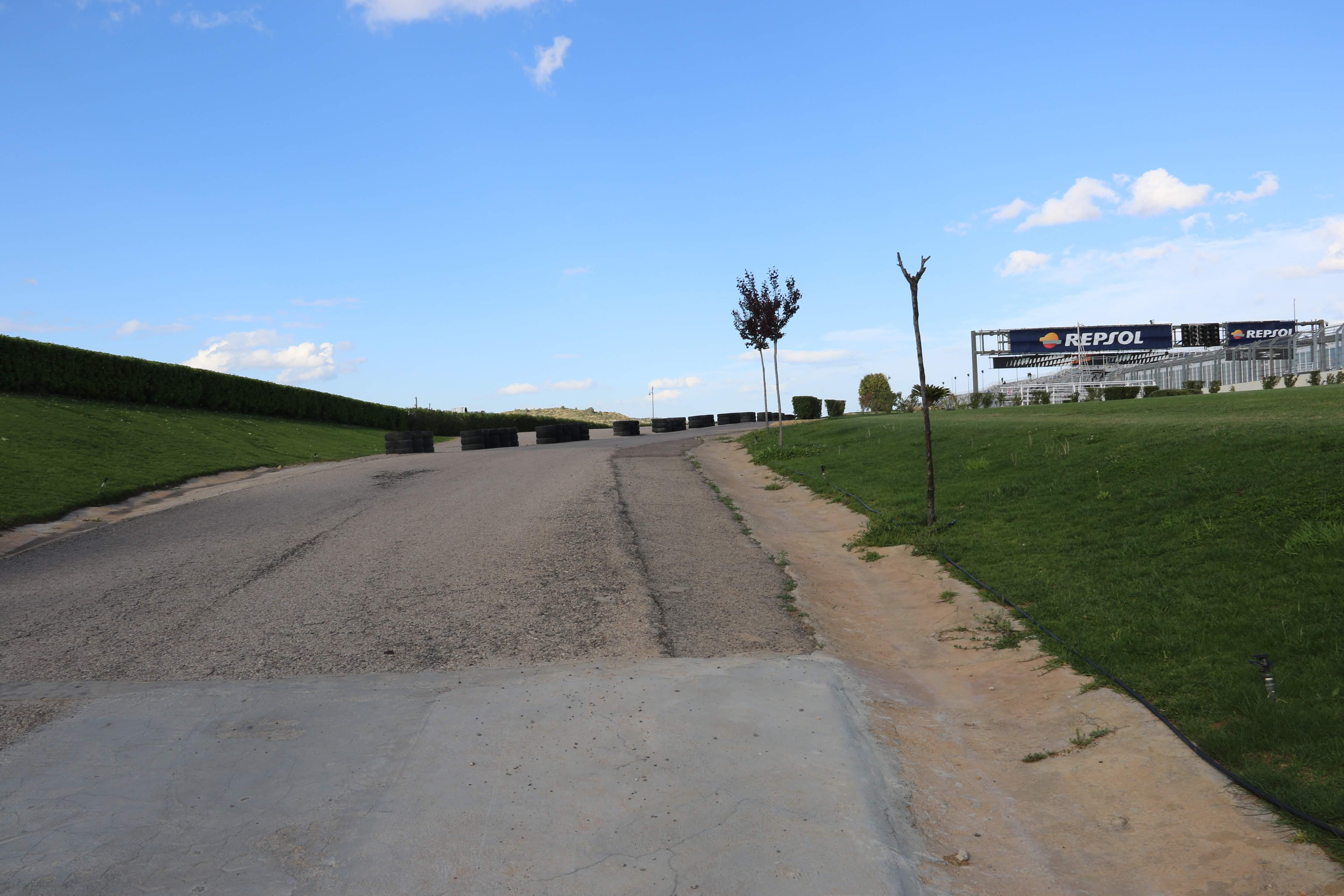 【海外サーキット現地レポ】MotoGP最終戦の地!かつてはWTCCも開催されていた「バレンシアサーキット」