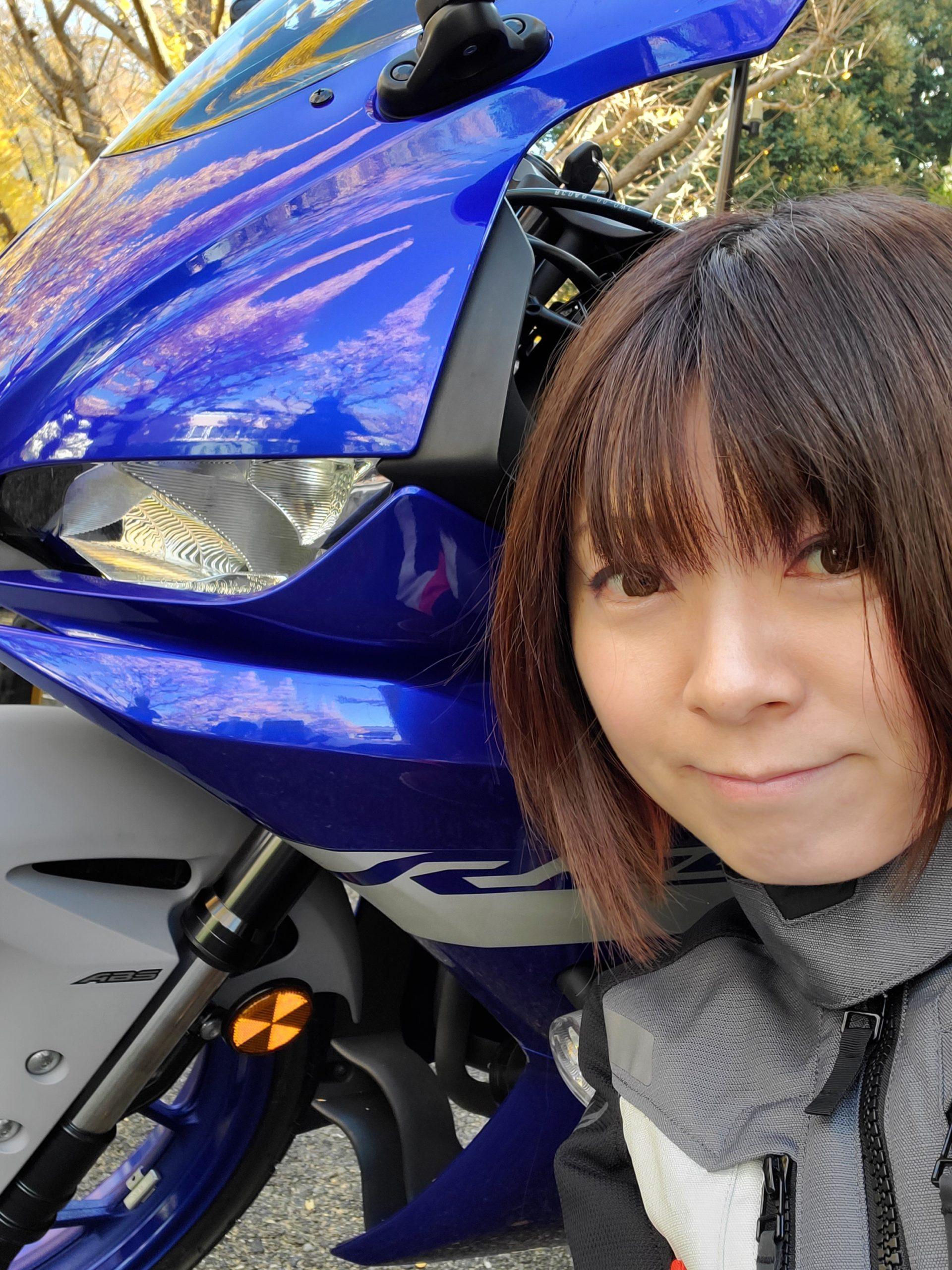 走りと快適性を高次元で両立! ヤマハ「YZF-R25」は小型バイクの気軽さを持つロードスポーツ!