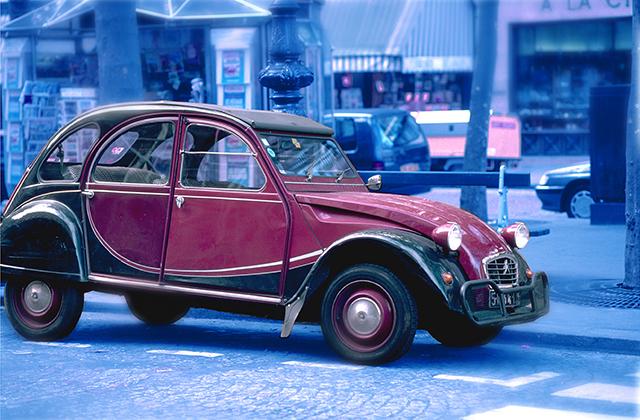 かわいい「旧車のデザイン」のクルマを今、作れないのはなぜ?